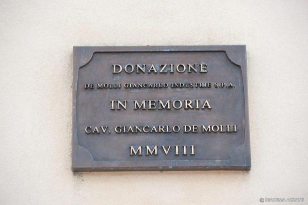 Commemorative plaque in memory of the Cav. Giancarlo De Molli
